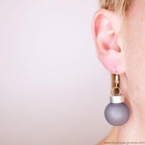gnooss-boutique-les laisses pour coudre-boucles oreilles-mini boules de noel–bleu ciel verre mat3-GN_741753346_new
