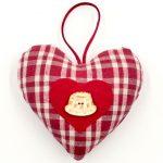 portrait-christiane-koch-coeur-alsace-boutique-gnooss-kelsch-carreaux-rouges